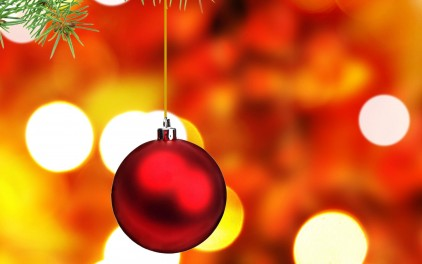 free-red-christmas-ornament-wallpaper_422_88010