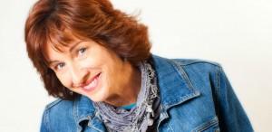 Comedian-Julie-Scoggins