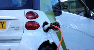 DRIVE ELECTRIC (CARS) FOR EARTH DAY AT ASHEVILLE OUTLETS